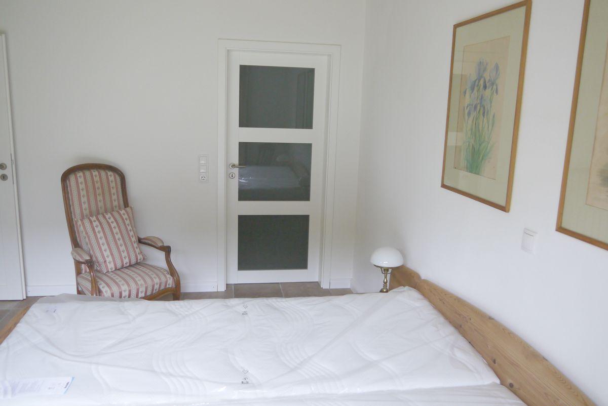 schlafzimmer 1 glast r zum bad eichenhof. Black Bedroom Furniture Sets. Home Design Ideas